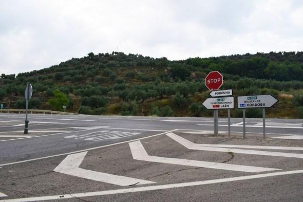 Herida grave una pasajera tras el accidente de un autocar en la carretera de Porcuna a Lopera