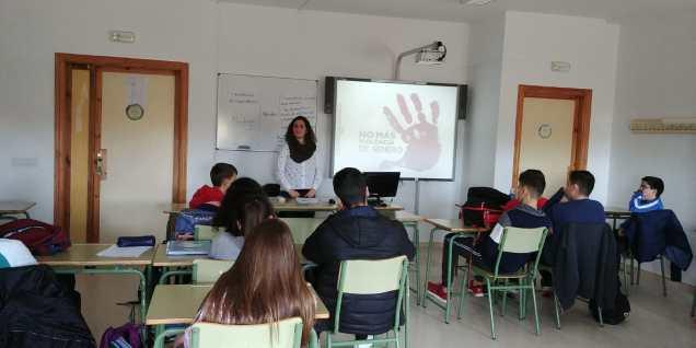 estudiantes de Marmolejo