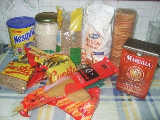 alimentos para las familias necesitadas