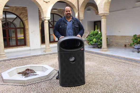 Nuevas papeleras en Andújar