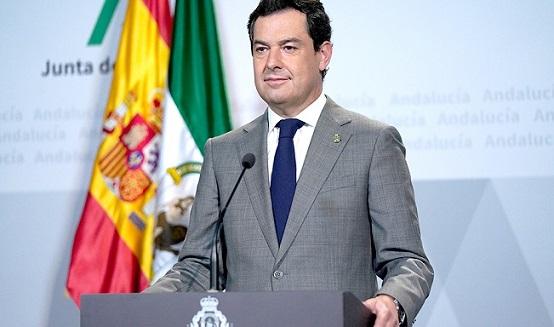 Juanma Moreno pide a Pedro Sánchez flexibilidad en el horario de paseo de los menores para evitar las altas temperaturas.