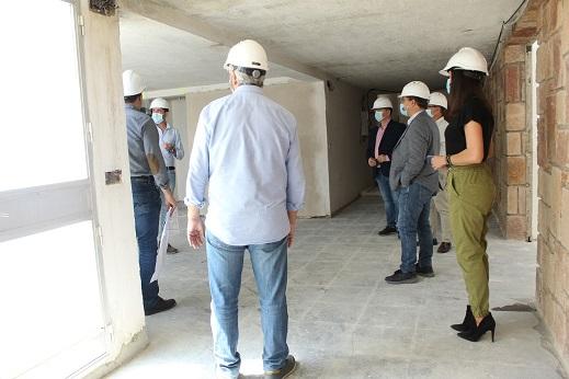 """Las obras del antiguo seminario de Andújar avanzan con """"paso firme"""" hacia su conversión en Centro Socio-Asistencial."""
