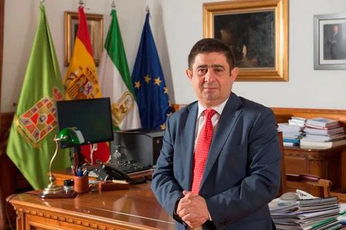 Francisco Reyes se reúne con los alcaldes de Arjona, Cabra del Santo Cristo, Noalejo, Castillo de Locubín, Quesada, Santisteban del Puerto, Villatorres y Vilches.