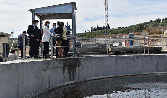 Carmen Crespo inaugura la estación depuradora de aguas residuales de Arjonilla.