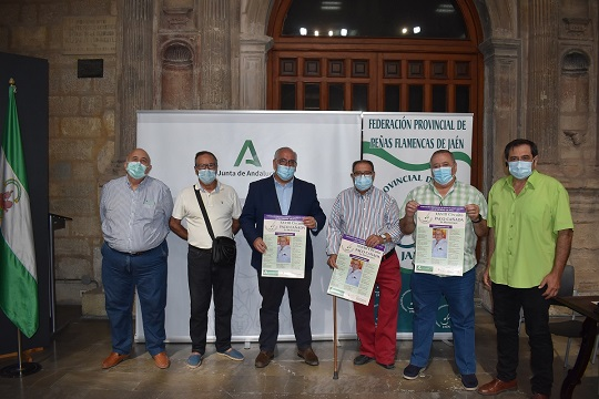 """La Consejería de Cultura y las peñas llevan el flamenco a 13 municipios con """"A la verde Oliva""""."""