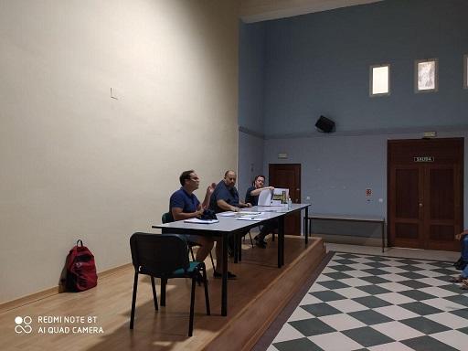 El Área de Medio Ambiente de Andújar se reúne con los vecinos y vecinas de Emperadores-Huerta Maroto para abordar el proyecto de remodelación de Parque Augusto.