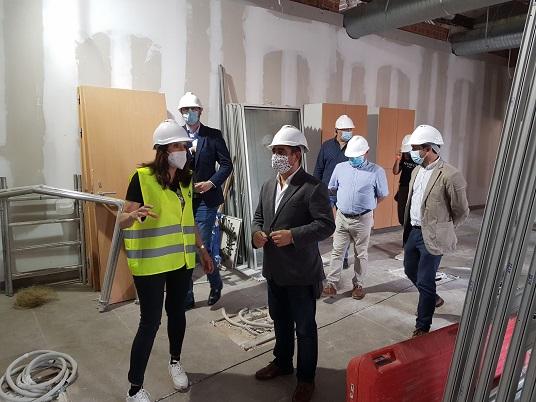 La Diputación tiene este verano 21 obras en ejecución en las que invertirá 29,5 millones de euros.