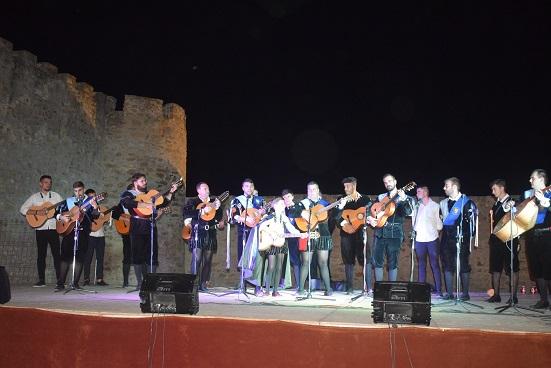 Las tres tunas de Lopera brillaron en la «Noche de serenatas».