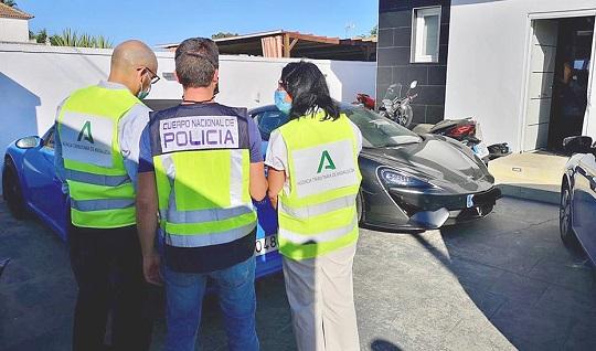 La Agencia Tributaria de Andalucía y la Policía destapan un fraude de medio millón de euros.