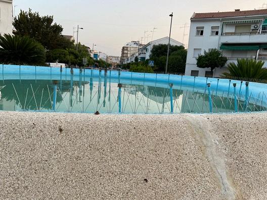 El Área de Medio Ambiente de Andújar trabaja en el control de las Palomas en la zona de la Plaza de Toros.