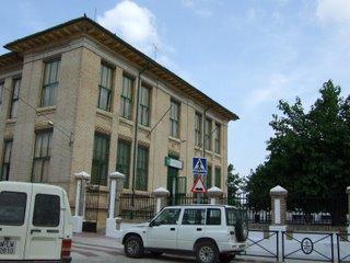 El Ayuntamiento de Lopera pide a la Junta que reduzca la ratio en las aulas del CEIP Miguel de Cervantes.