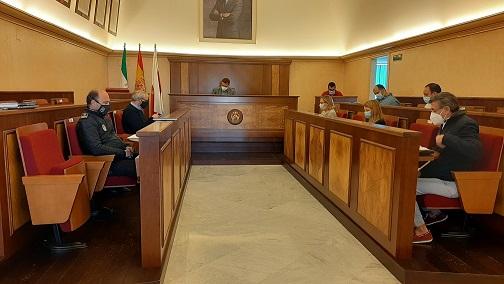 El Ayuntamiento de Andújar implanta las restricciones de la Junta de Andalucía publicadas en el BOJA durante la noche de ayer.