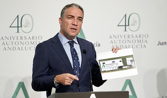 La Junta de Andalucía incorpora 8 camiones itinerantes para hacer 4.000 test de antígenos diarios.