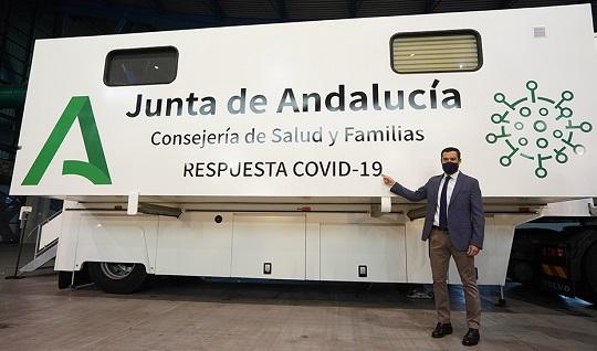 Moreno presenta las unidades móviles para cribados masivos que realizarán 5.000 test diarios.