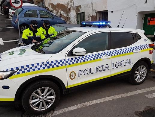 Policías Locales de Andújar auxilian a un ciudadano que sufrió un infarto en la vía pública.