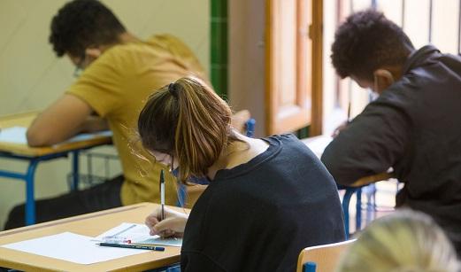 La Consejería de Educación y Deporte destina casi 41 millones al sistema de becas andaluz.
