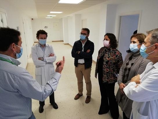 El Hospital de Jaén invierte 322.800 euros en renovar el servicio de Neumología.