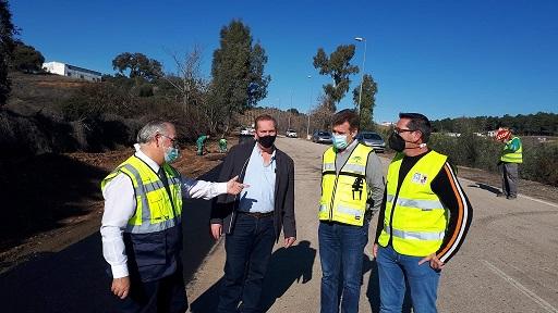 La Consejería de Fomento mejora la seguridad vial en la N-IV a su paso por Santa Elena.