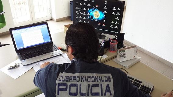 """""""Desconfíe de supuestos 'chollos' en Internet de webs desconocidas o particulares"""", advierten los especialistas de la Policía Nacional."""