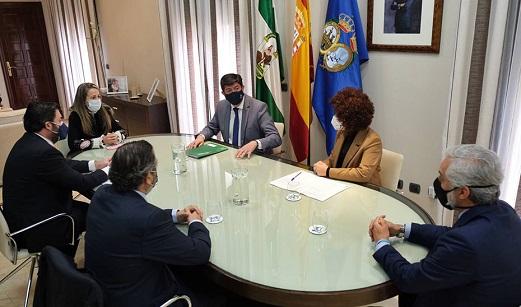 Juan Marín anuncia el incremento de la aportación de la Junta al PFEA un 15%, hasta alcanzar los 62 millones.