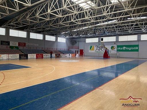 El área de Deportes del Ayuntamiento de Andújar trabaja junto a los clubes en la mejora de las instalaciones de las que dispone el municipio.