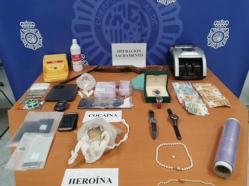 La Policía Nacional detiene a cuatro personas por tráfico ilícito de drogas en Jaén y Toledo.