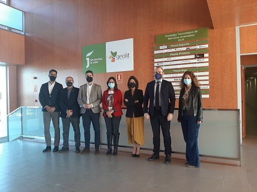 Diputación aborda con el Smart City Clúster la aplicación del modelo de ciudad inteligente en el mundo rural.