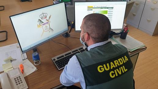 La Guardia Civil alerta de una estafa comercial en las cooperativas de aceite.