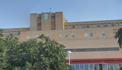 Dos personas afectadas por humo y quemaduras tras un incendio en una guardería en Linares.