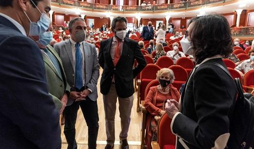 Bendodo asegura que el Gobierno andaluz sería capaz de llegar a acuerdos con un político como Julio Anguita.