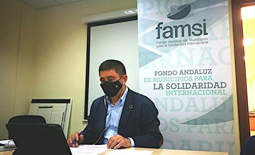 Reyes destaca el papel de FAMSI como herramienta de cooperación entre los gobiernos locales.