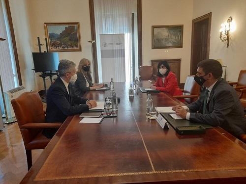 Francisco Reyes y Fernando Grande-Marlaska abordan diferentes actuaciones en materia de Interior en la provincia.