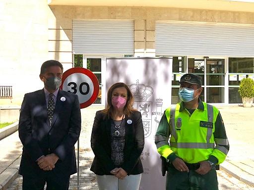 La subdelegada señala que la bajada 30km/h en vías urbanas y travesías permitirá la creación de ciudades más comprometidas con la seguridad.