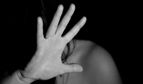 Rocío Ruiz condena el presunto asesinato machista de una mujer de 36 años en Marmolejo (Jaén).