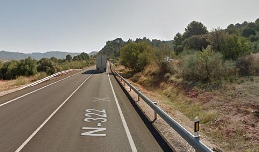 Muere un hombre tras la salida de vía y vuelco de su furgoneta en Puente de Génave (Jaén).