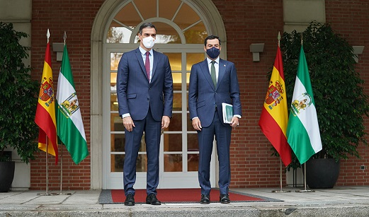 Moreno pide a Sánchez que active una mesa bilateral entre Gobierno y Andalucía, recogida en el Estatuto de Autonomía, para abordar la financiación autonómica.