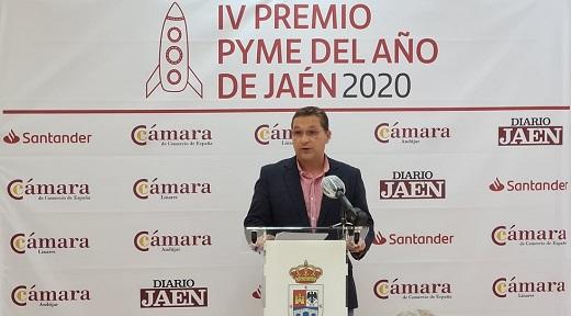 Eduardo Criado propone conceder la Medalla de Oro de la Cámara de Comercio de Andújar a Paco Huertas.