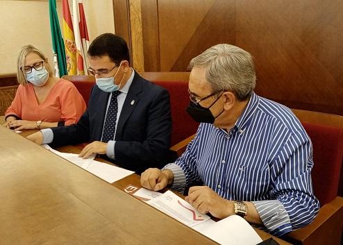 El Ayuntamiento de Andújar firma un nuevo convenio con Cruz Roja para el desarrollo de la Escuela de Verano de Garantía Alimentaria 2021.