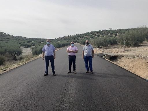 Las obras en la carretera entre Villardompardo y Escañuela que ejecuta la Diputación se encuentran ya al 80%.