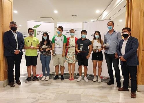 Francisco Reyes participa en la entrega de trofeos del Campeonato de España Individual de Ajedrez.