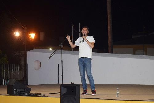 Noche de humor con David Navarro en el Jardín Municipal de Lopera.