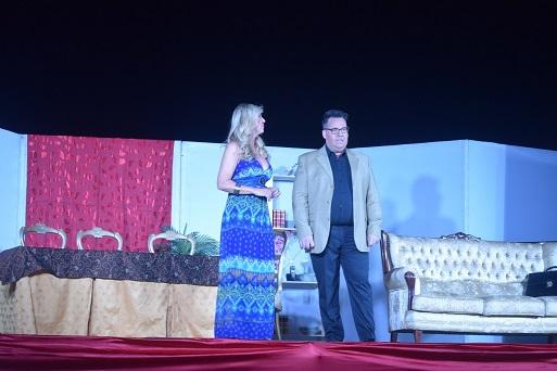 El Castillo de Lopera acogió una divertida comedia con Malena Gracia «El Señor Criada».