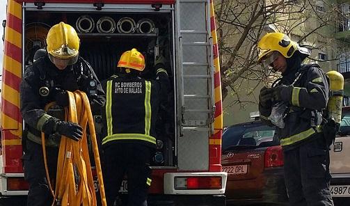 Muere una mujer tras quedar atrapada en un incendio de una casa en Villacarrillo (Jaén).
