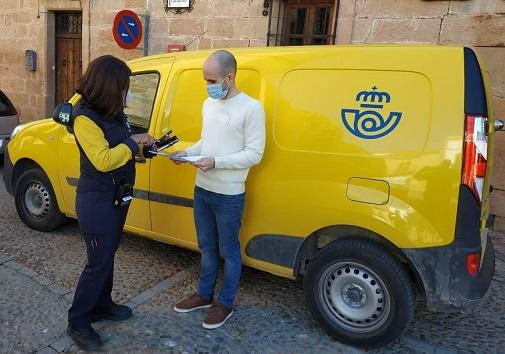 Correos entrega 213 nuevos dispositivos portátiles con mejoras en prestaciones para su plantilla de reparto en la provincia de Jaén.