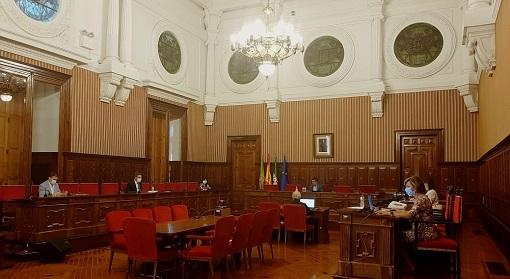 El pleno de Diputación aprueba 21,5 millones de euros a través de iniciativas dirigidas a ayuntamientos y empresas.