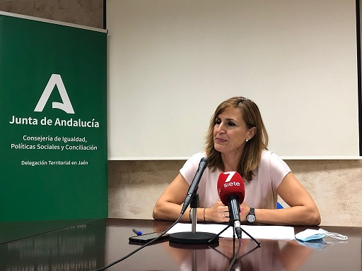 La Consejería de Igualdad implanta en Andújar y Úbeda un proyecto piloto para reducir a cero la lista de espera de dependencia.