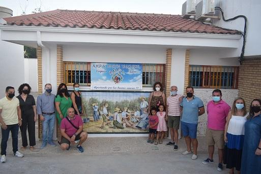 Inaugurados varios murales del pintor Antonio Solórzano en el Edificio de Educación Infantil del Colegio Miguel de Cervantes de Lopera.