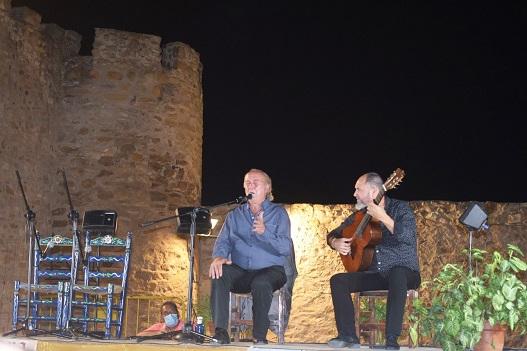 El Castillo de Lopera acogió la celebración del XV Festival Flamenco «Torreón del Cante» en homenaje a «Rocío de Lopera».