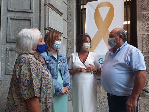 La Delegación Territorial de Salud y Familias se suma a la iniciativa 'Enciende la esperanza'.