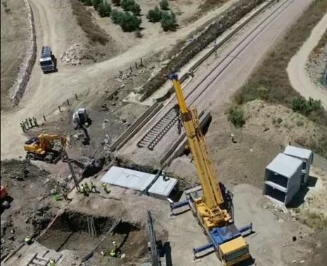 Adif licita la sustitución del puente sobre el arroyo Arjonilla, en Jaén.